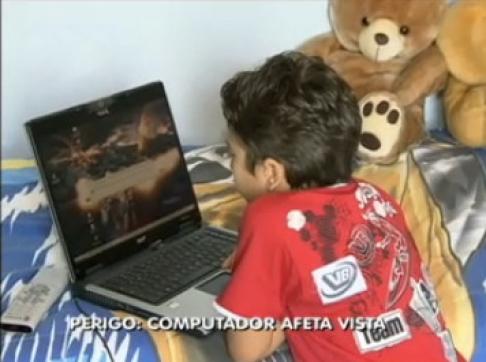 Conheça a síndrome da visão do computador, que causa danos à saúde