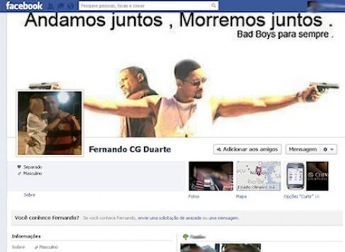 Preso tem perfil em rede social atualizado via celular no Rio
